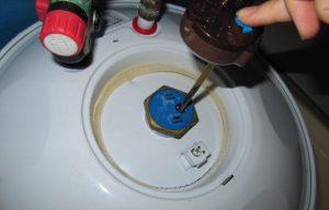 Réactiver la sécurité thermique d'un chauffe-eau électrique